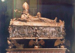 Grób św. Wojciecha w katedrze w Gnieźnie