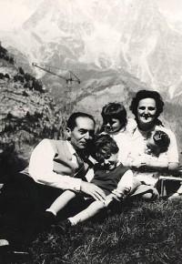 Święta Joanna Beretta Molla z rodziną